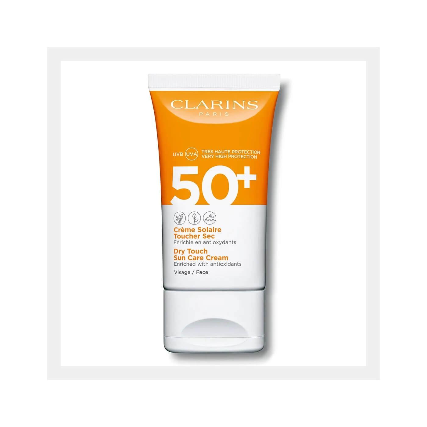 Clarins Suncare Face Cream SPF50+ HK$260 蘊含「防曬植物複合物」,由多種植物萃取而組成,無論身處任何地點、場合、陽光強度或活動,都能為肌膚提供多重保護。適合所有肌膚及所有環境使用,連極敏感的肌膚也不例外。