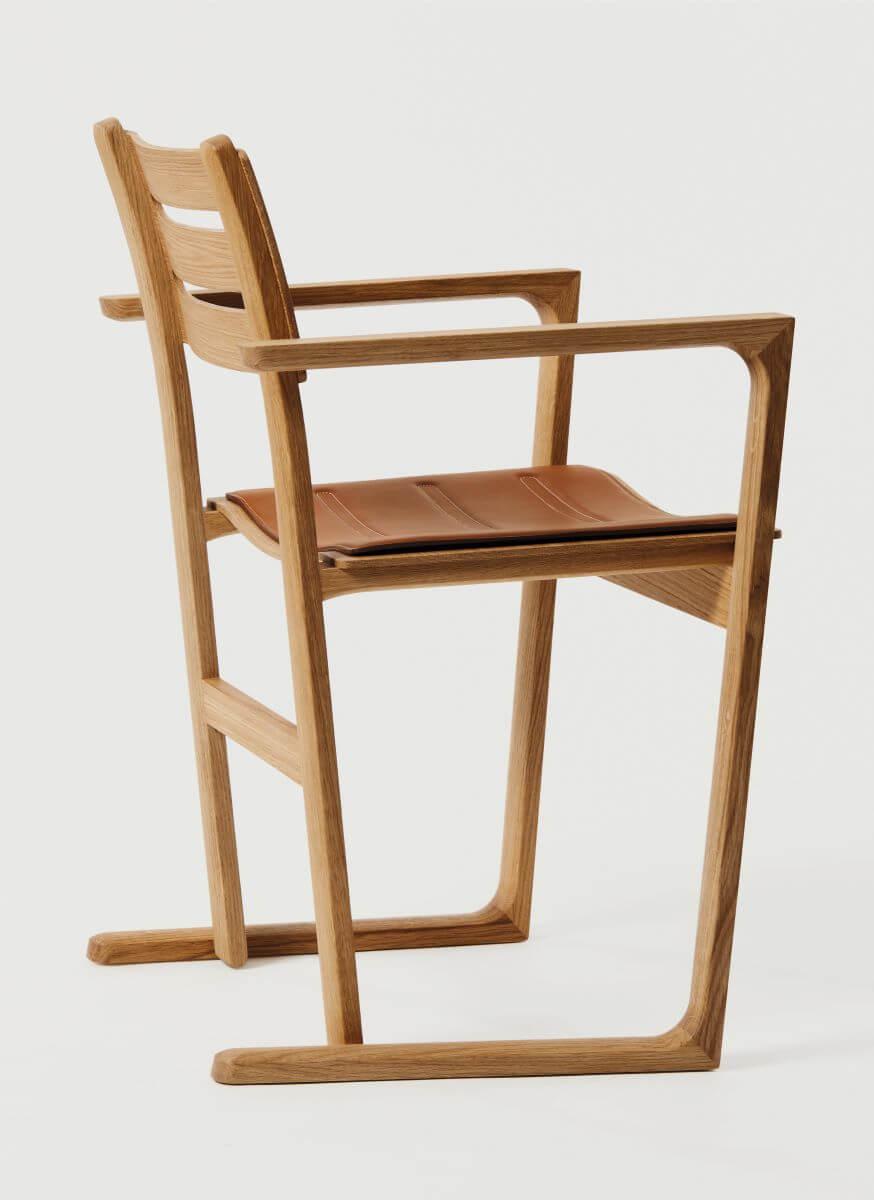 La Tourette椅子原設計於一九九七年,為法國建築大師Le Corbusier操刀的修道院而設,當時製造了一百張。