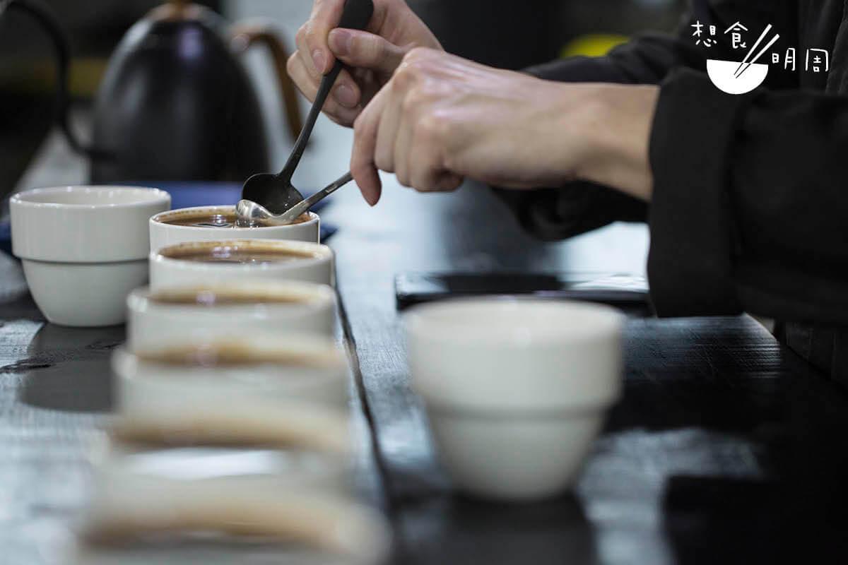 Jacob坦言,千里迢迢飛往咖啡生產國,最大的喜悅便是與咖啡農分享當季的成果,以及體驗當地的飲食文化。