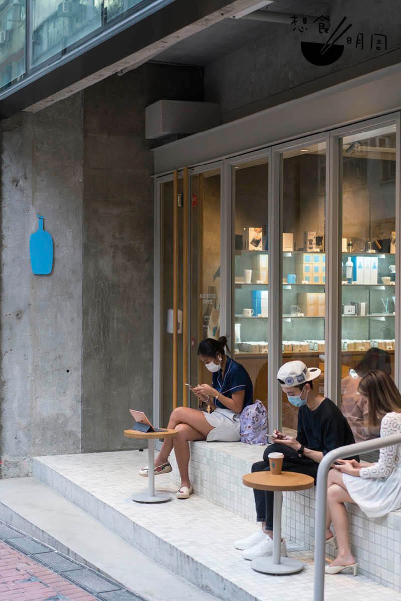 今年年初,香港Blue Bottle Coffee趁疫情稍緩之時,趕緊宣告把籌備多時的店子開業,當時不少咖啡迷都甘願提早起床率先嘗新。