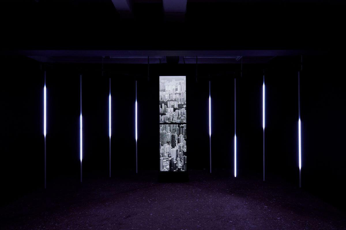 《不在此限》一年後在東京展出,但短短一年內,影像中不少畫面已從現實中消失。(相片來源:Tokyo Arts and Space)