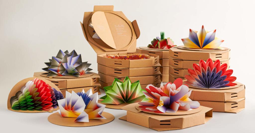所有紙花均為人手製作。