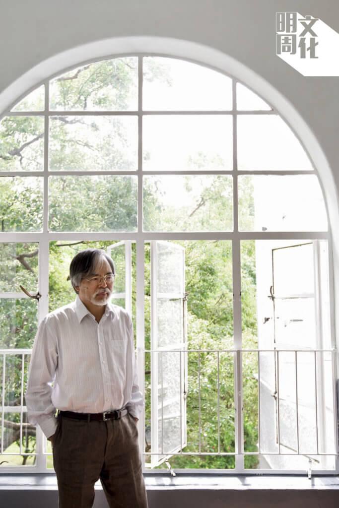時任校長張灼祥(任期:2000至2012年)