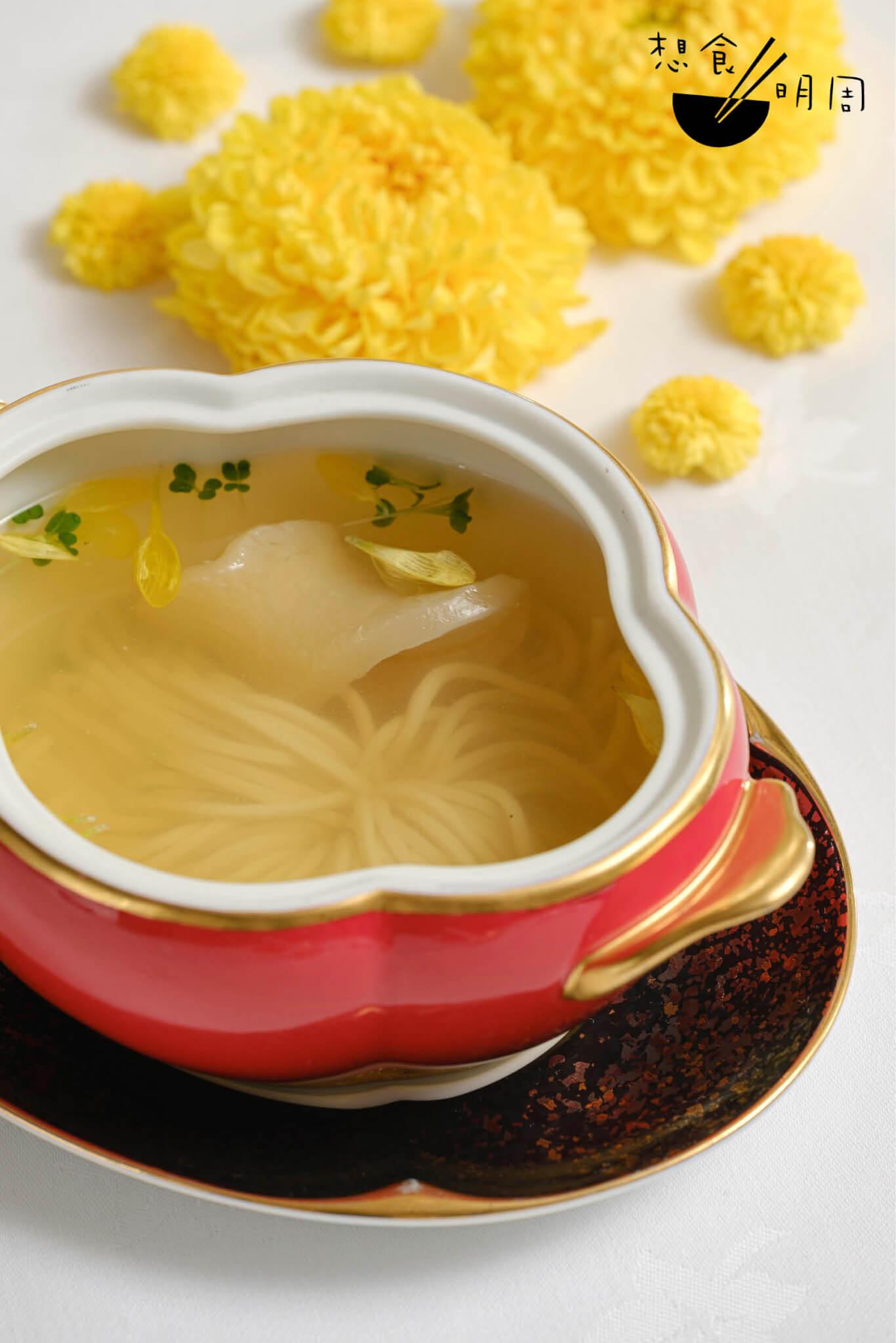 黃秧白清湯菊花絹豆腐