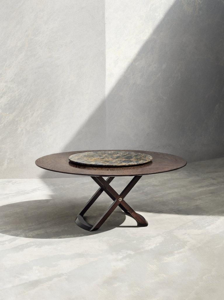 多推出家具的時裝品牌如Armani都是來自意大利