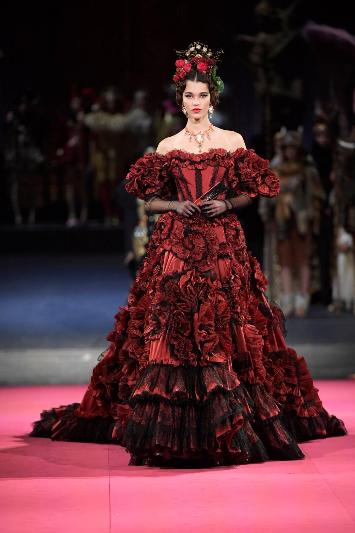 法蘭明歌舞蹈正適合Dolce&Gabbana這等熱情如火的品牌