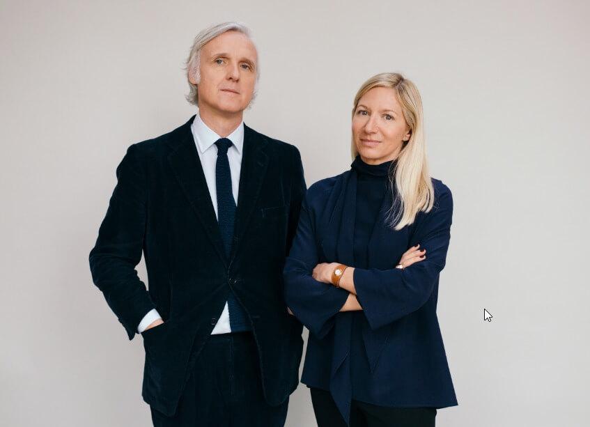 Hermès家居部藝術總監Charlotte Macaux Perelman(右)與Alexis Fabry(左)