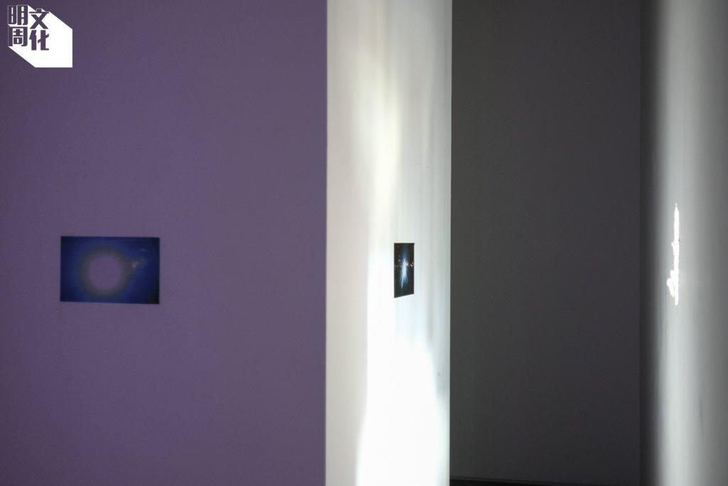 《傷殘的光》,鑿開的牆。
