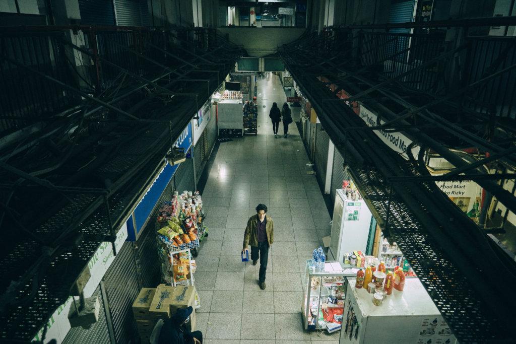 尖沙咀重慶大廈是《手捲煙》的主要場景