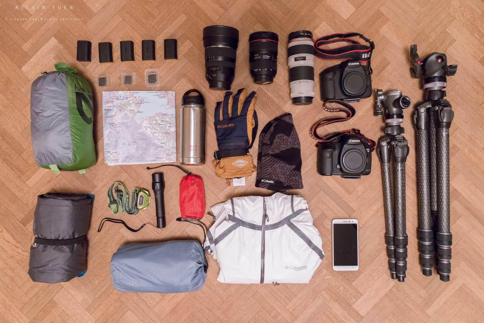 出發登山前,Kelvin要預備眾多裝備,加起來也近二十公斤。