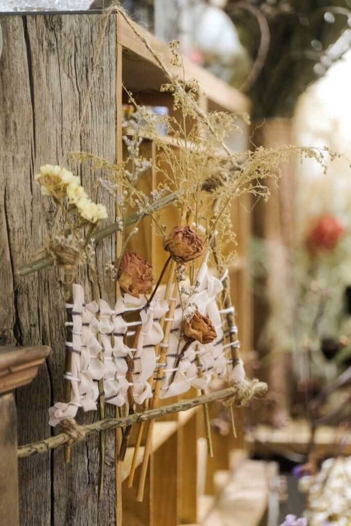 Hidy的作品以乾花手作為主導,亦有布藝、鈎織等元素創作。