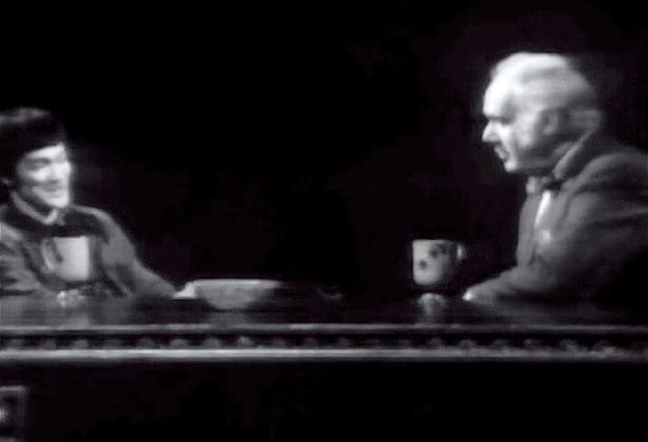按李小龍遺孀蓮達表示,唯有1971年在加拿大電視 台的The Pierre Berton Show,是李小龍最能解釋他 哲學內容的訪問。