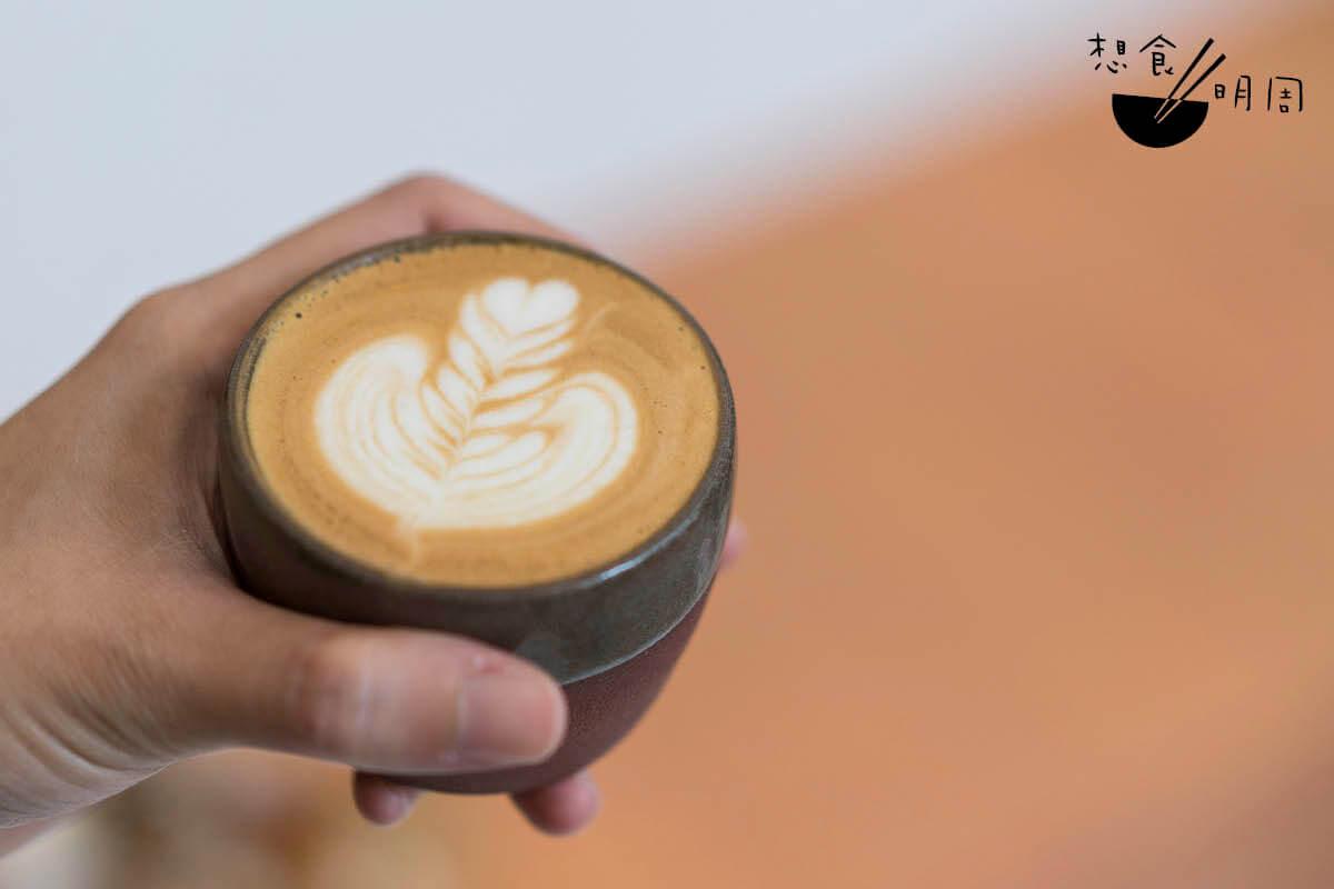 8/Piccolo// 為Latte的迷你版。奶不多,但依然有咖啡的甘濃。($35)