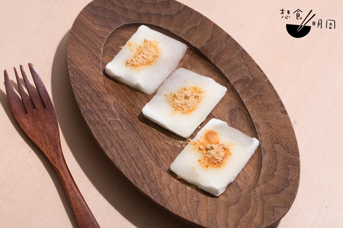 防災年糕($38)// 誰說防災食品沒有甜點呢?這款乾燥年糕是阪神大地震後的產物,希望可以透過一點甜來安撫災民。
