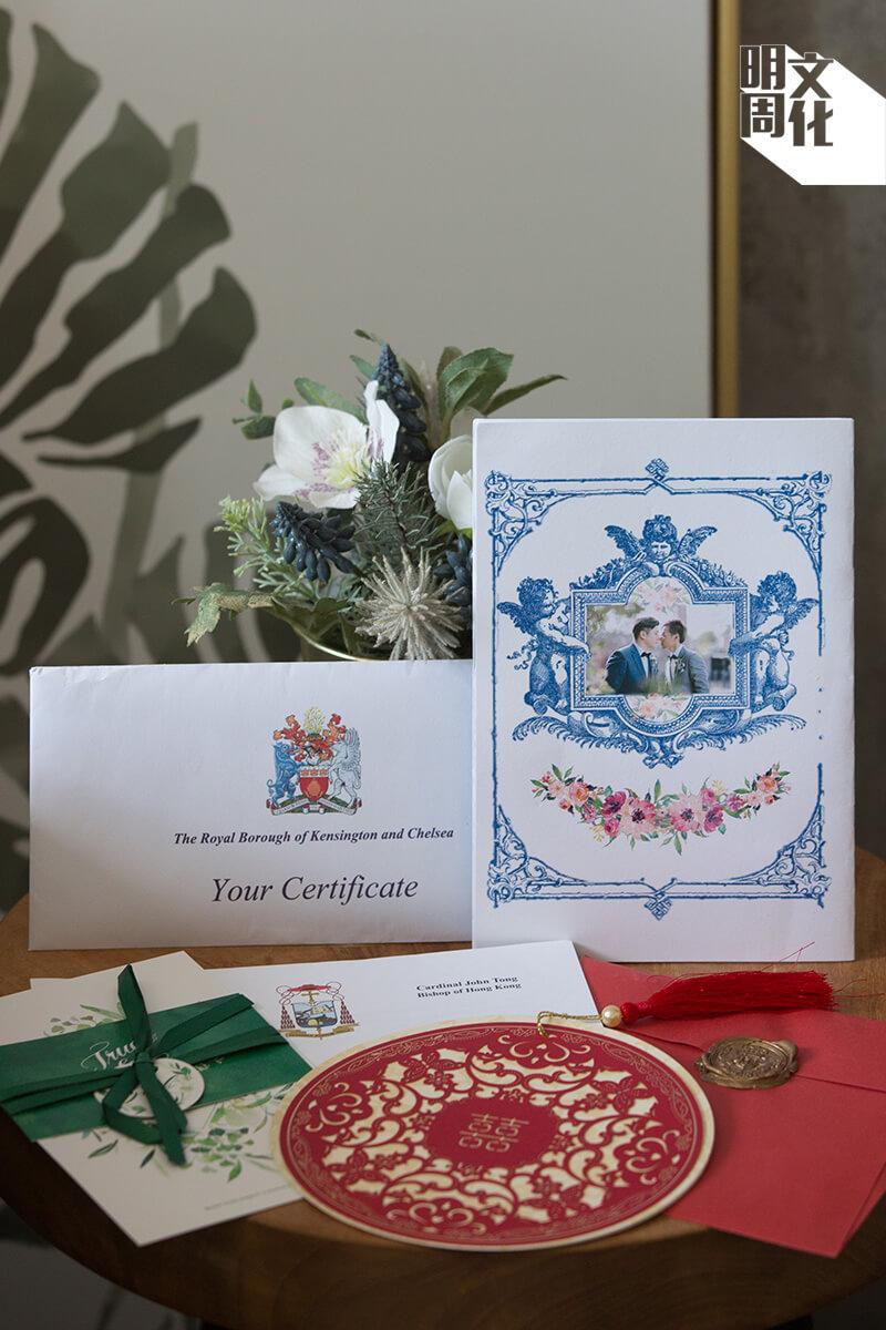 結婚相簿盒內有囍帖、結婚證書、婚後第一 次派的利是,還有一封香港教區主教湯漢樞機寄給他們的信件,表示要撤回Edgar作為教區聖召委員的任命。Edgar對此耿耿於懷,每次訪問都會提及這封信件。