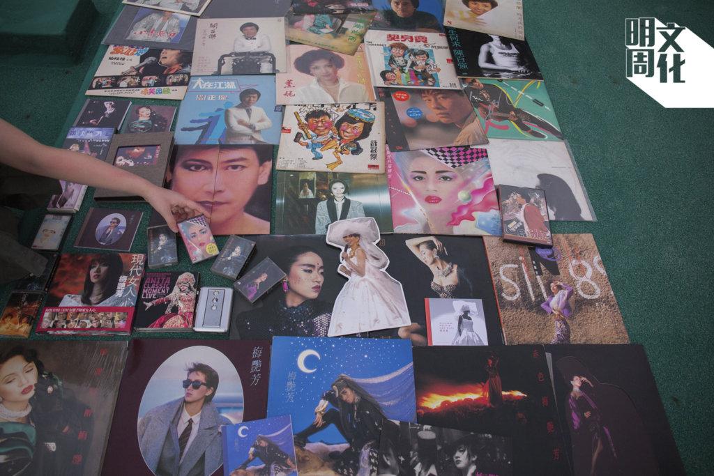 Kenna珍藏六十幾張梅艷芳黑膠唱片,包括《In Brasil》、《烈焰》、《似火探戈》、《烈焰紅唇》、《赤色梅艷芳》等。