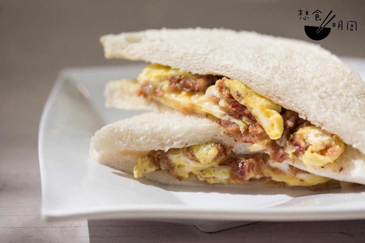 這份只需$14的蛋牛治,真的比茶餐廳還要造得「靚仔」呢!
