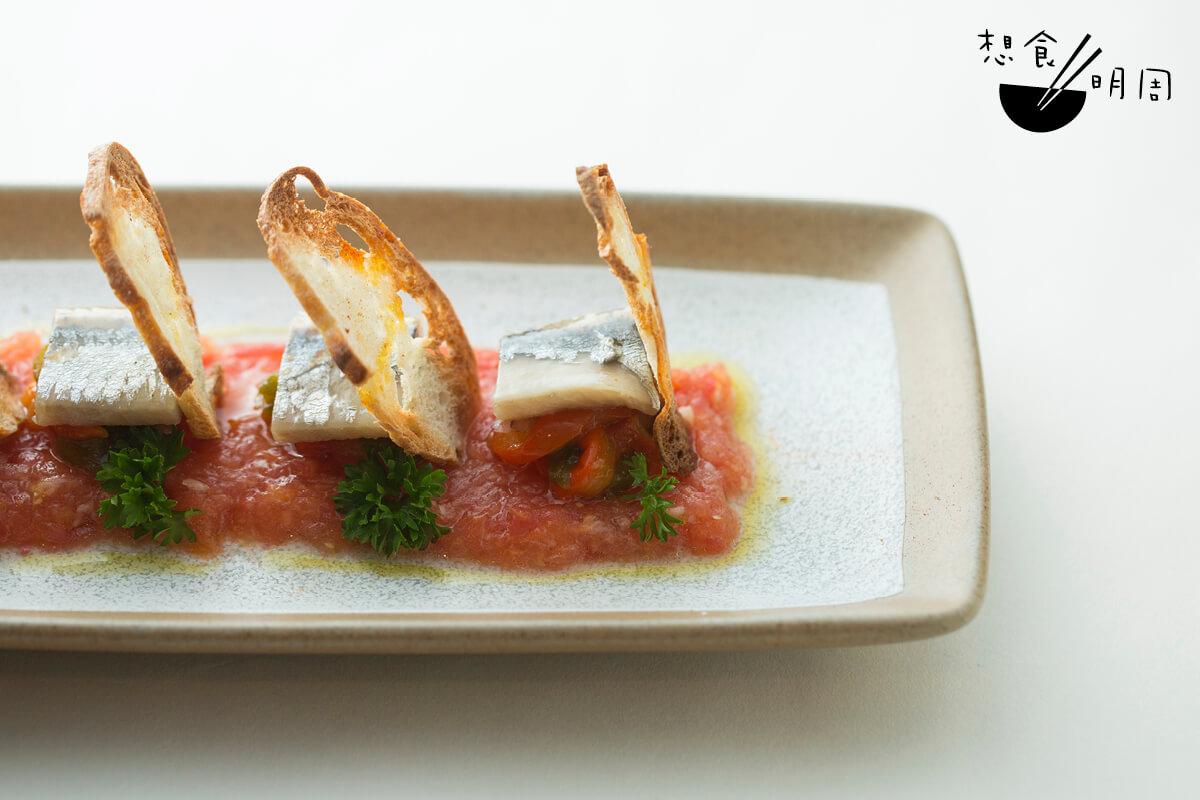 西班牙煙燻沙甸魚脆多士// 航海家哥倫布從美洲將燈籠椒帶回