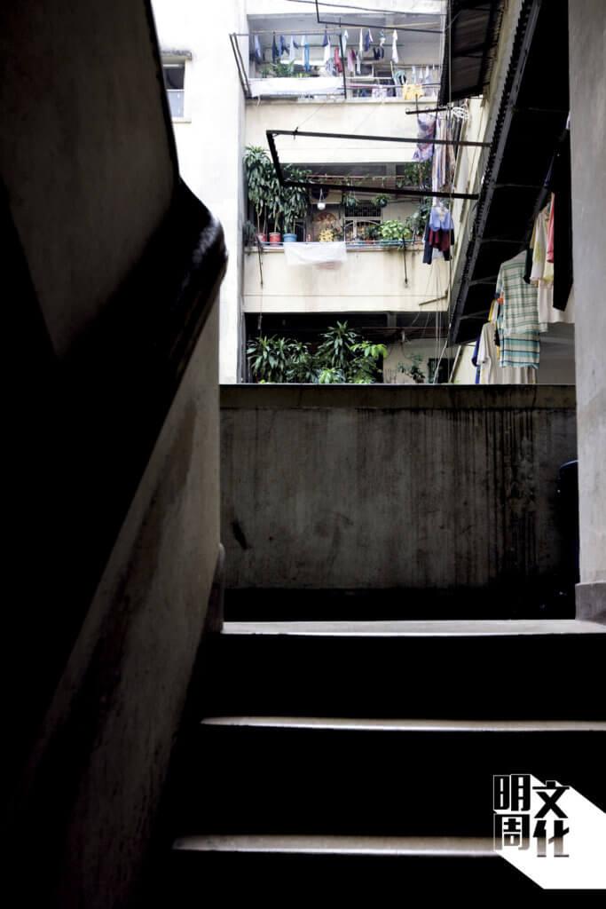 舊樓充滿生活氣息。