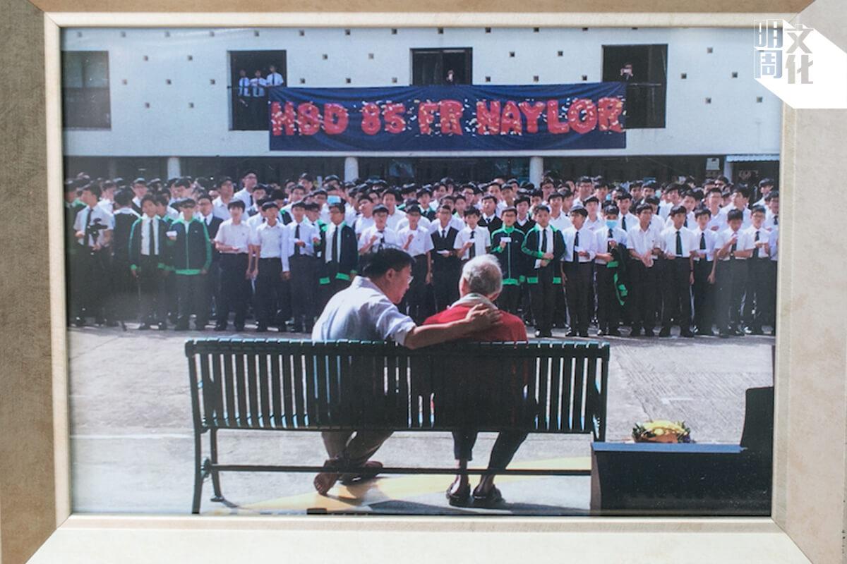 魏志立神父八十五歲生日的時候,就連退休老師和舊生都紛紛回校慶祝。