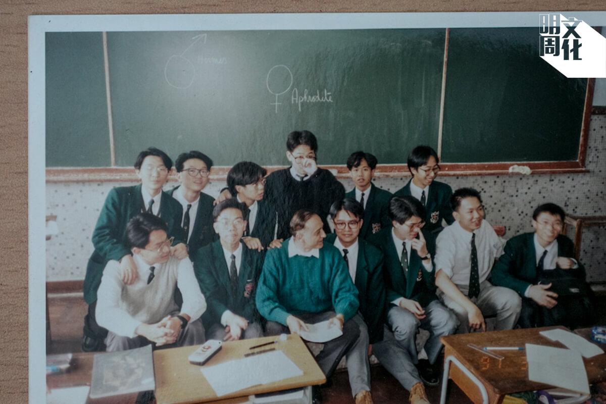 朱可達行動不便,但是在華仁從來沒有遇上欺凌,連最頑皮的同學都會主動保護他。