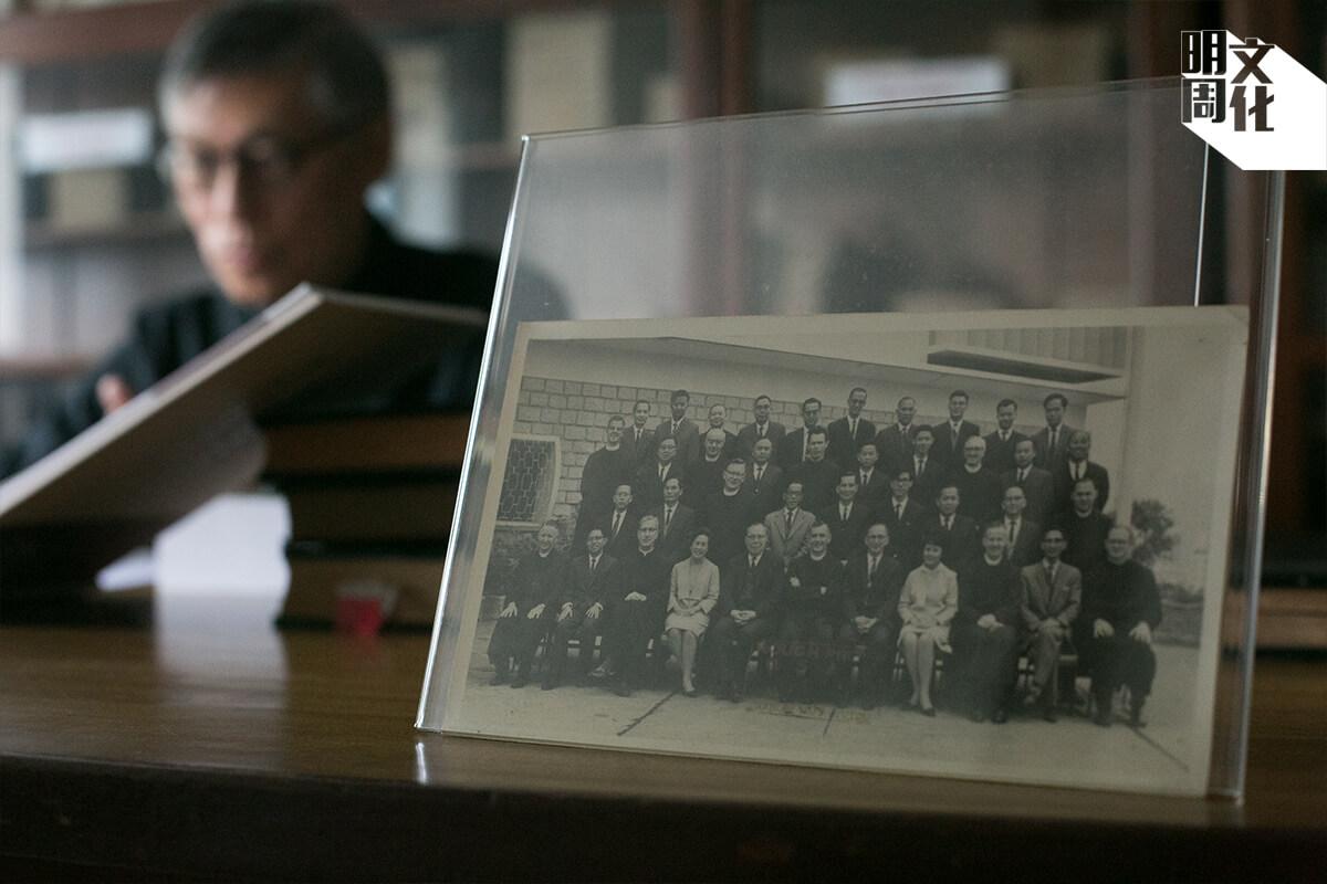 周守仁返回華仁任教時,已經是唯一一個年輕修士。他開創「校牧」一職,希望學生能夠像他一樣,在成長中有神父同行。