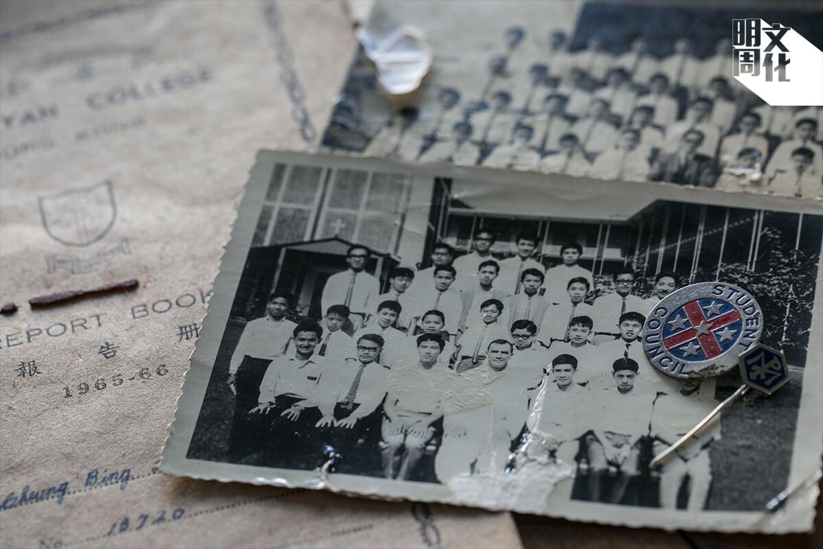 張炳良在學時相當活躍,參加過輔祭隊、學生會,擔任校刊副編輯。