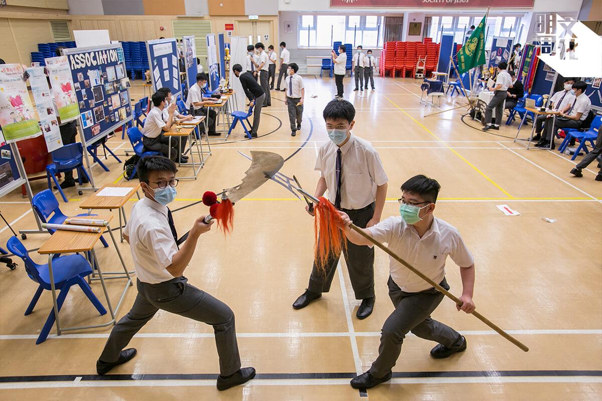 華仁仔興趣多多,「武術學會」在學會登記日頗受歡迎。