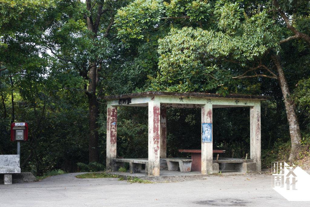 張屋附近的破舊涼亭,稱為火砲亭。