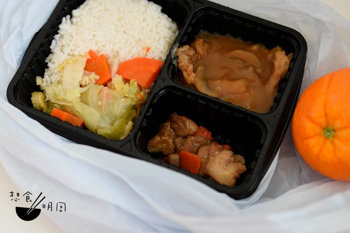 這洋葱豬扒糊口的程度也叫人難忘,唔想唔想唔想,再吃到的炒椰菜,總是每一餐出現!