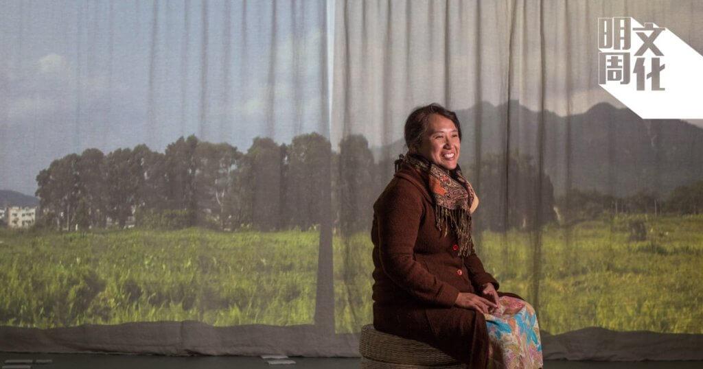 本地藝術家勞麗麗一直實踐「半農半藝」的生活方式,今年創作《寂靜春天來臨前》多媒體展覽,回顧自身參與的農耕組織生活館。
