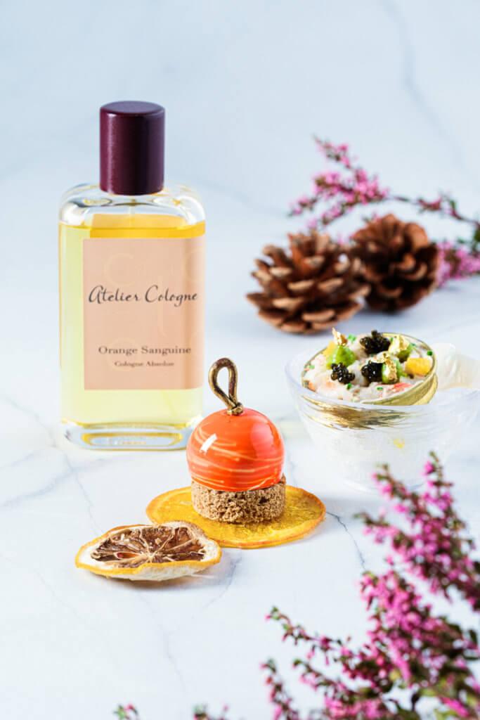 從Orange Sanguine香水得到靈感的松葉蟹肉龍蝦沙律、赤霞彩球