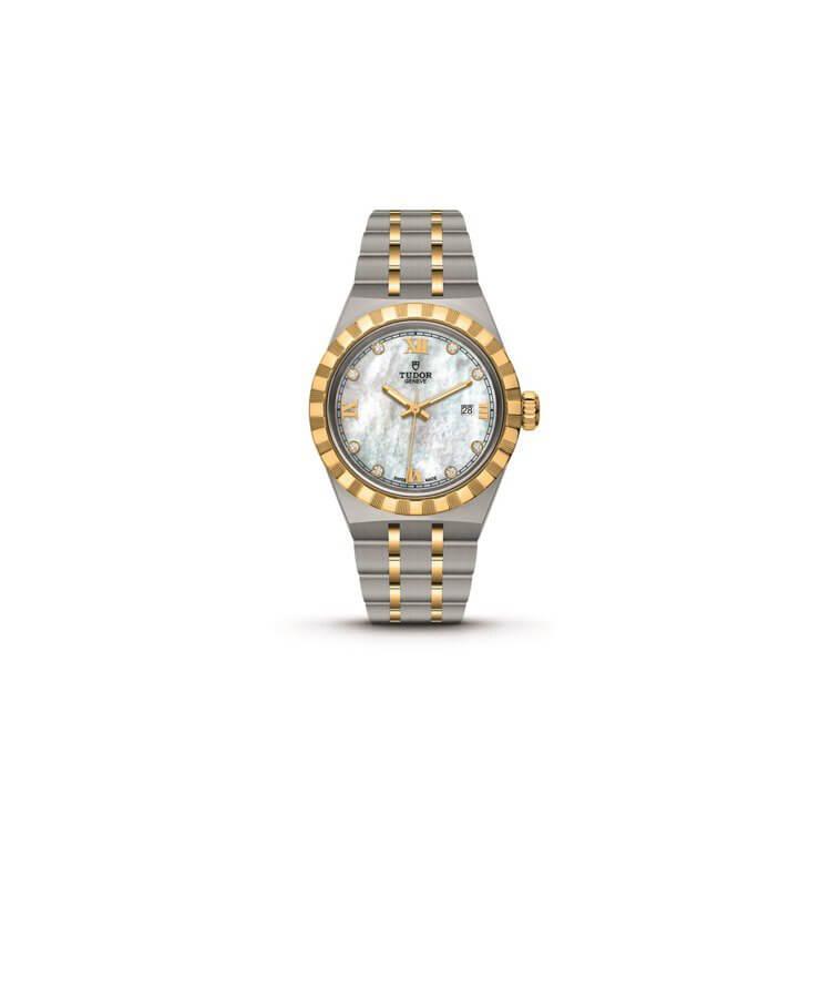 TUDOR ROYAL (28300/3 )$29,600 品牌重新推出傳承自一九五○年代的Royal皇家系列腕錶,兼具運動氣息與時尚風格,配備與錶殼連成一體的錶帶及坑紋外圈,搭載自動上鍊機芯,價格親和又不失優越品質。一系列新作包含精鋼款及半金款,共四個型號,適合各尺寸之手腕,當中28300/3款式則是二十八世毫米的輕巧尺寸,顯然為女性而設,珍珠母貝錶面則運用上黃金錶圈、鑽石時標與錶冠,散發柔美與剛強並重的氣息。