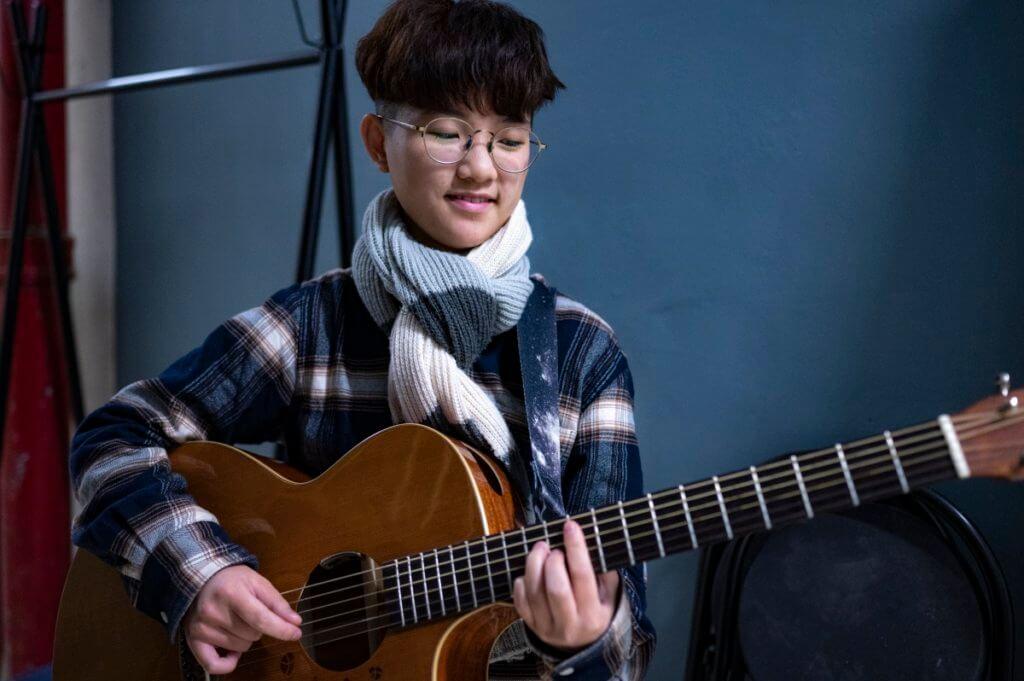 【我哋呢班後生仔】街頭Busker黃煒曉:希望大家能支持香港的音樂人