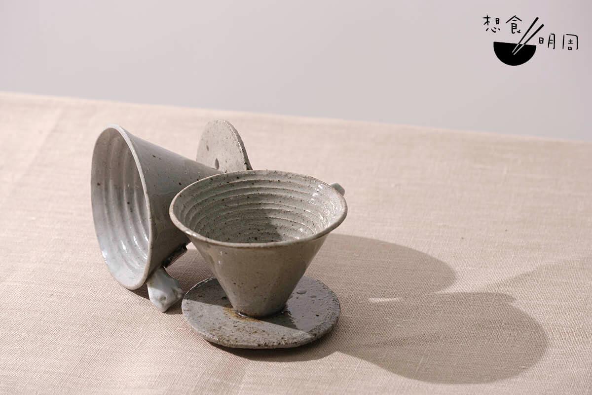陶藝,就是讓泥土變成器物的藝術。因此姚俊樺認為,一定要用香港泥土,才能讓器物添上香港的味道。