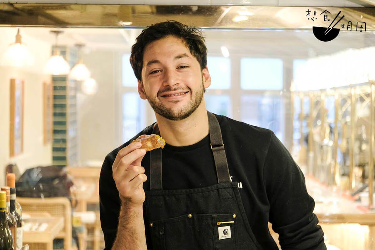 年輕意籍主廚Marco Livoti坦言,Cannoli是他喜愛的家鄉美食,但讓他決心鑽研各種口味,卻全賴女朋友的鼓勵。