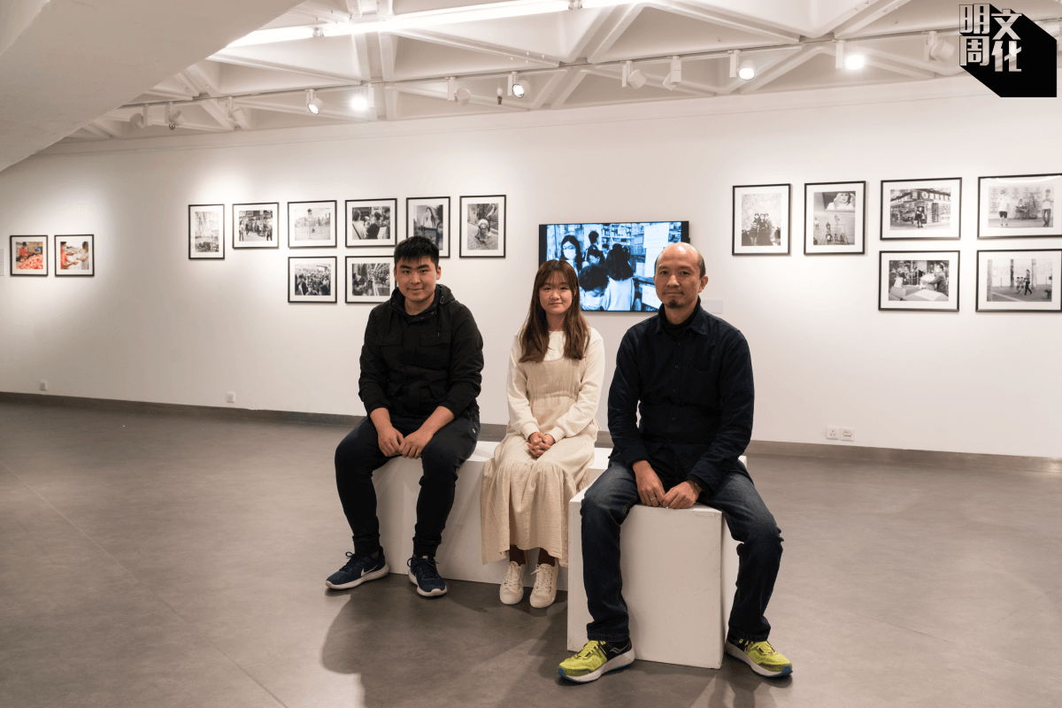 (左起)學生張浩維(阿維)、梁嘉慧(Kelly),及藝術家朱迅(Birdy)。