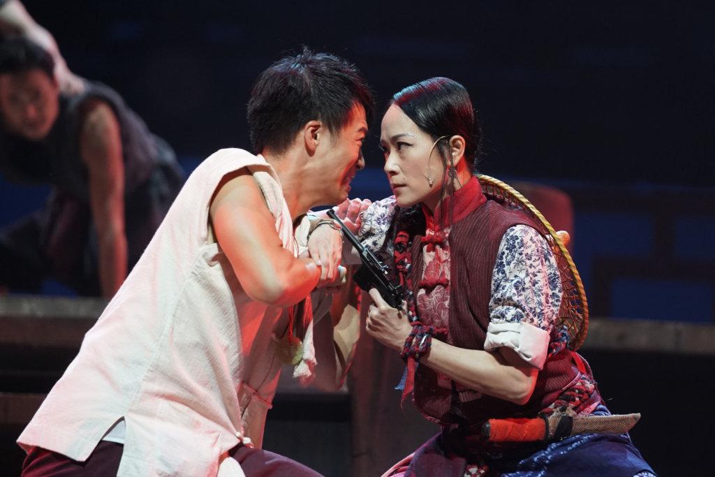 陳一水及徐老海分別由陳健豪和謝茵飾演,兩個角色在米荒的衝突中流露出追求公義的精神。(攝影:Mak Cheong Wai@Moon 9 image)