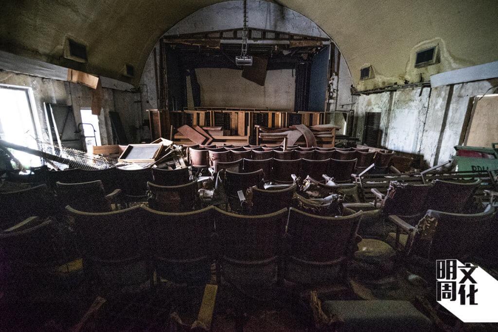 寶隆軍營軍事劇院