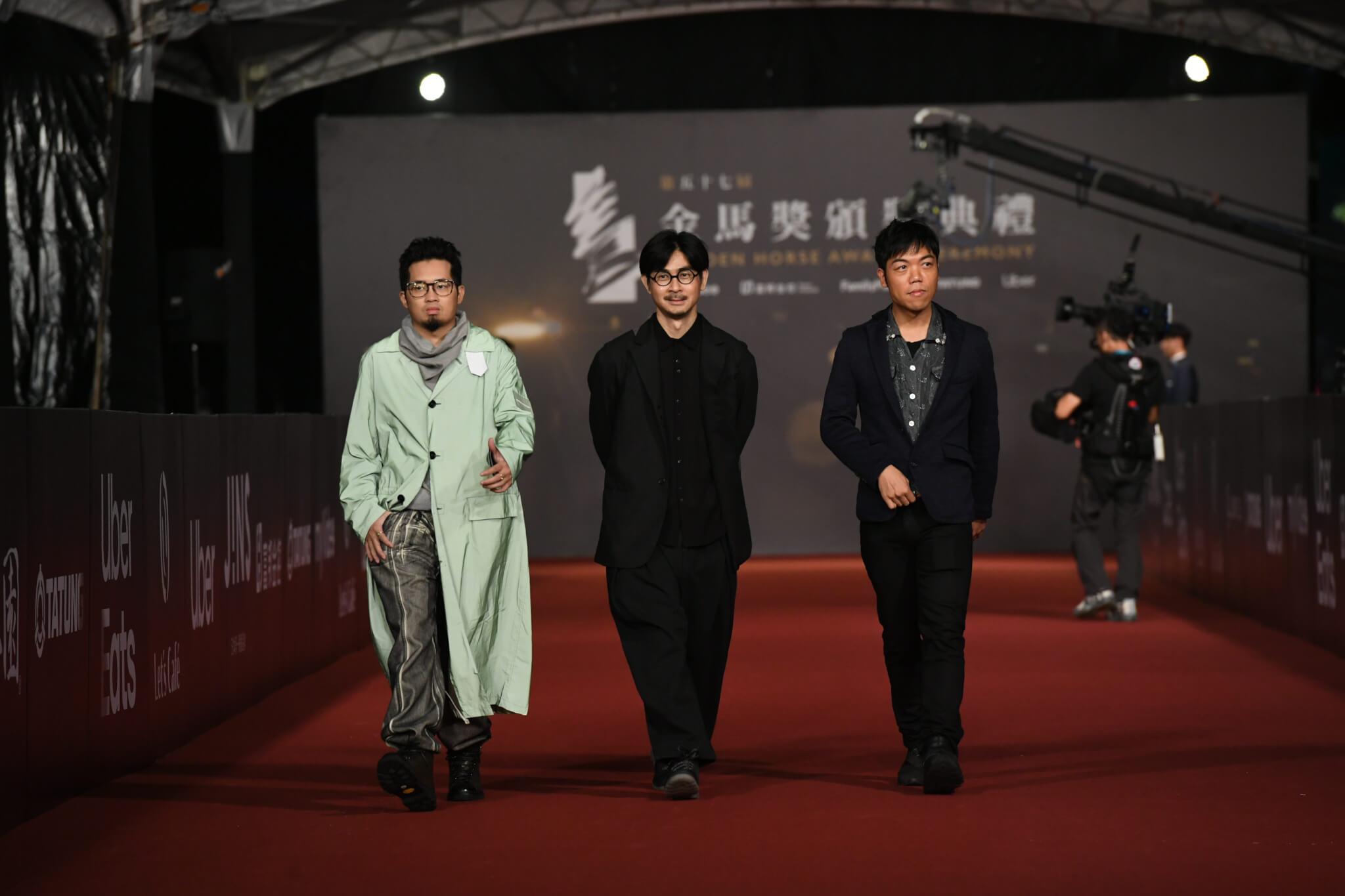 《狂舞派3》主題曲入選第五十七屆金馬獎最佳原創電影歌曲,Heyo伙同拍檔阿弗及導演黃修平出席頒獎禮。(金馬執委會提供)
