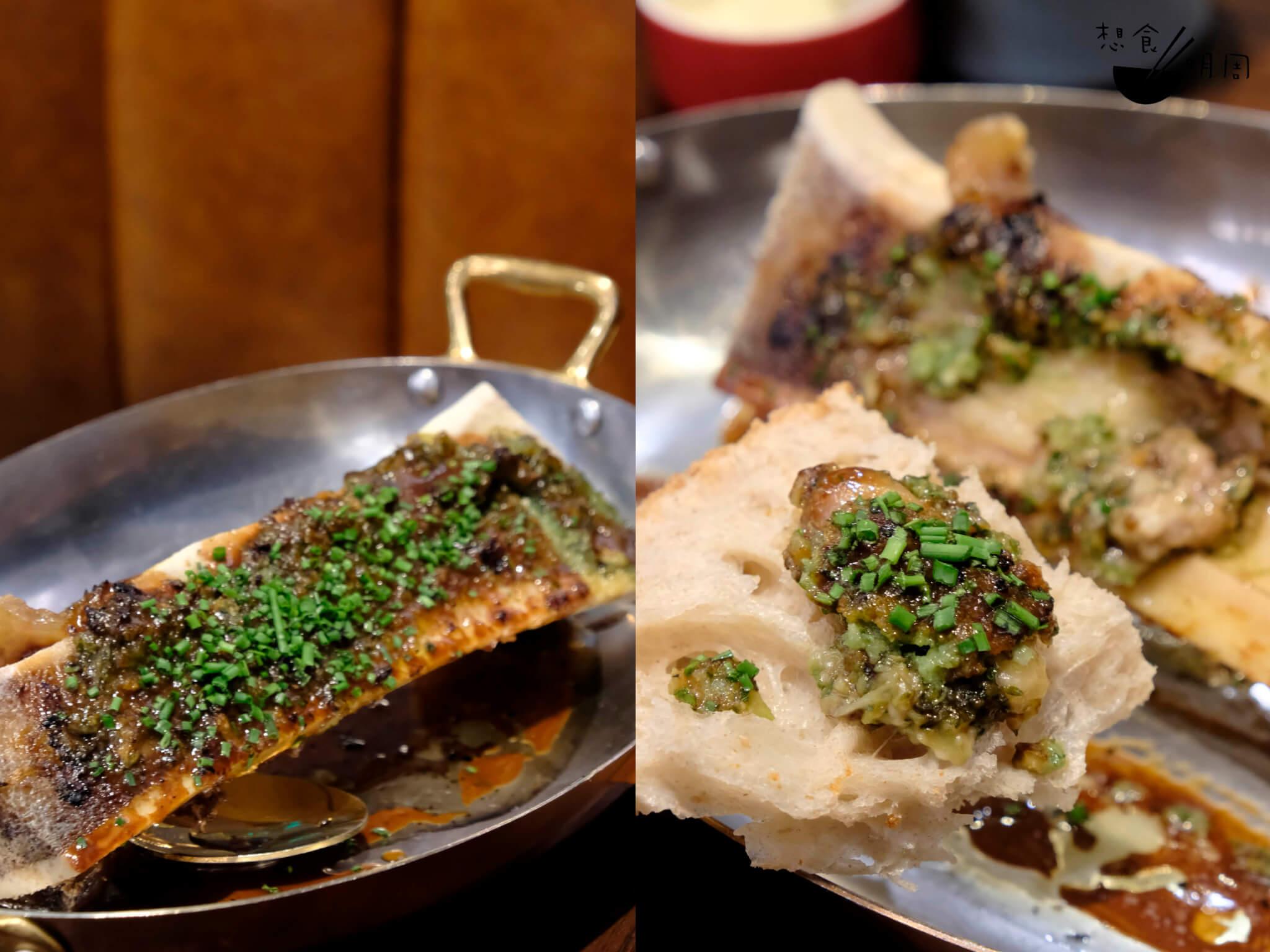 Os à moelle // 好地道卻又超邪惡的烤焗牛骨髓,第一口先淺嚐,第一勺就要放到麵包上配送入口。餐桌上的正是bakehouse出品的新鮮baguette。($98)