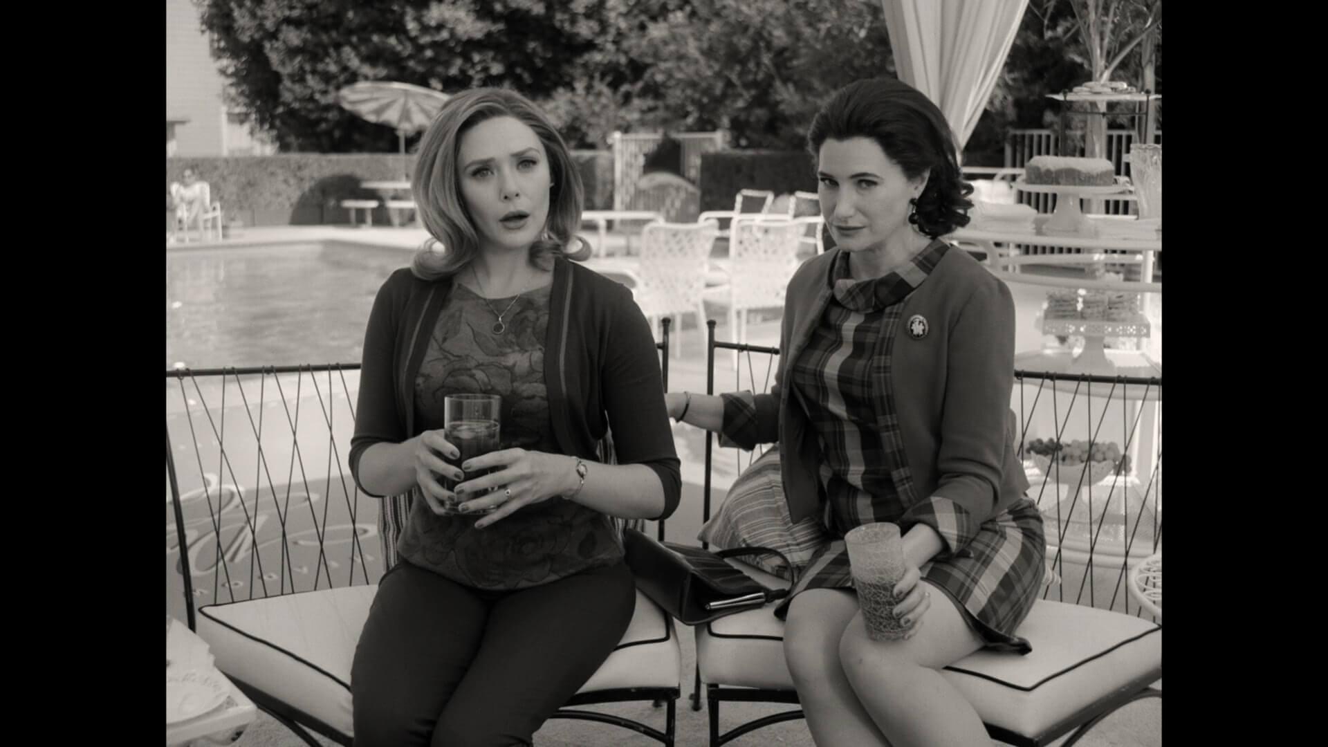 當年的女性大多數穿著裙子,穿著褲裝的Wanda顯得與眾不同。