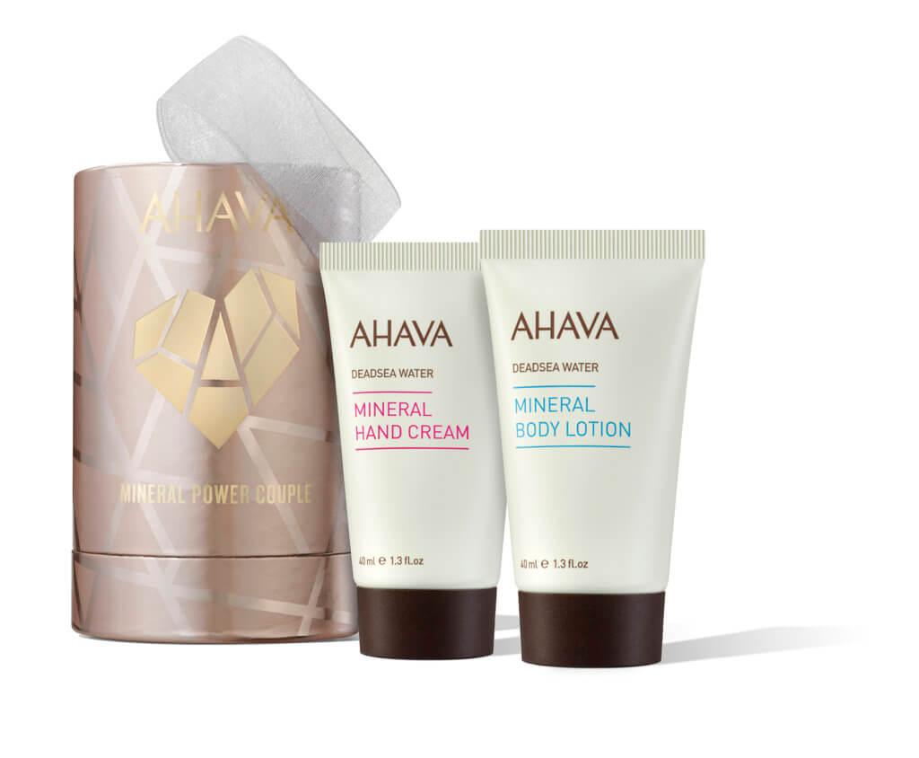 AHAVA礦物力量身體保濕套裝 $118 手牽手的時候也要擁有嫩滑的肌膚,以色列 品牌AHAVA以死海專利成分和植物萃取,推出富含礦物質的護手霜,可以防止氣候和家務對手部的傷害,用後立即平滑乾燥手部,恢復柔軟度。