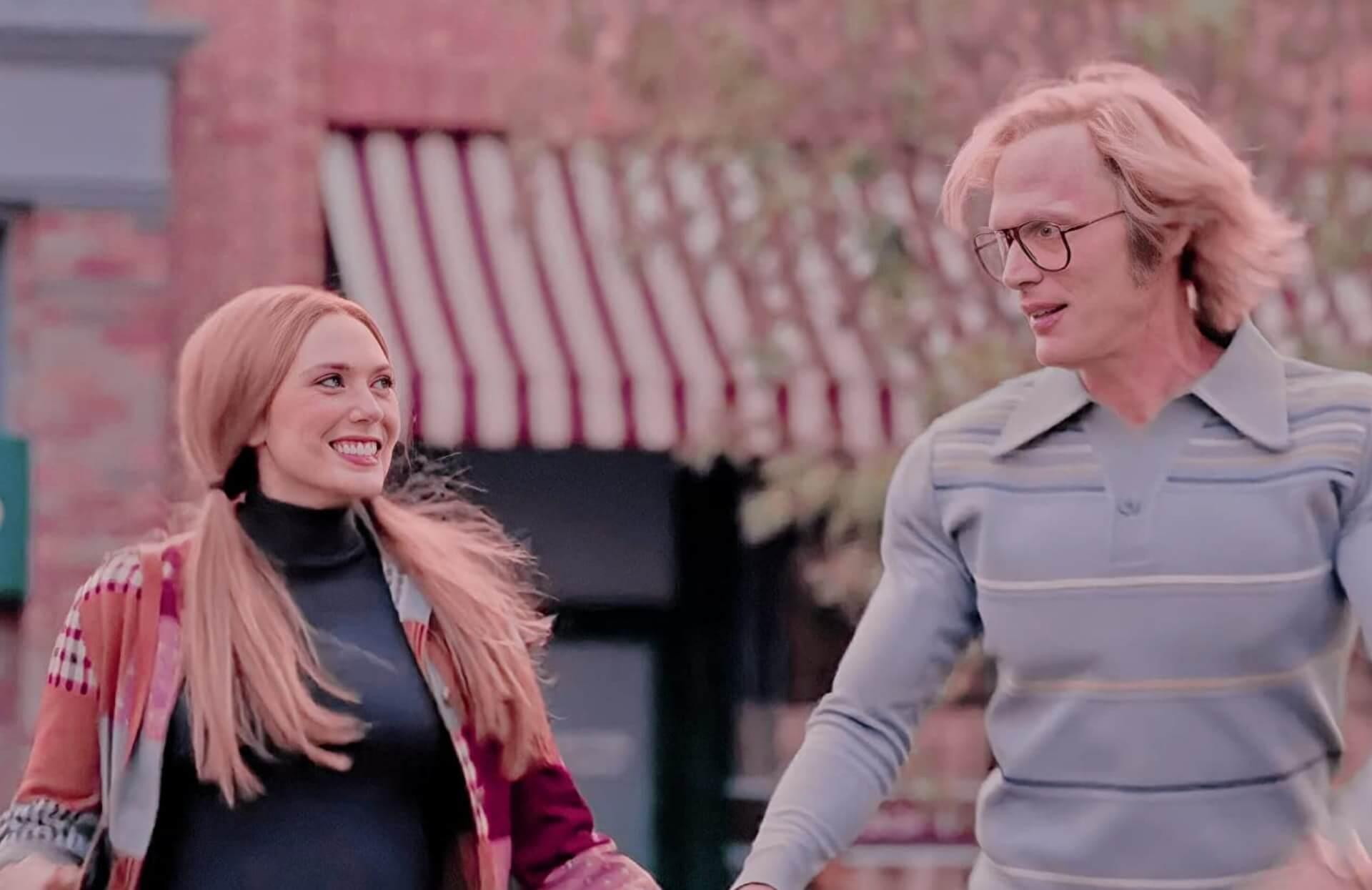Wanda的長直髮和Vision的方框眼鏡都是當年的流行指標。
