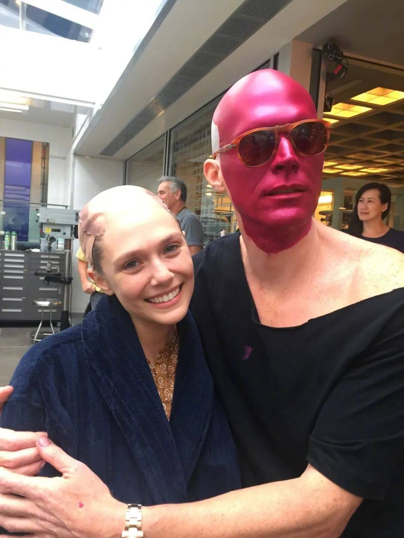 不過唔講唔知,原來劇中Elizabeth Olsen這個髮型全靠假髮!