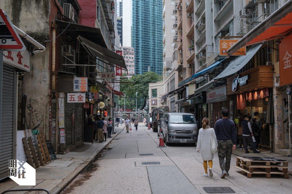 汕頭街現時地舖新舊交融,特色食肆林立,吸引不少遊人專程來覓食。