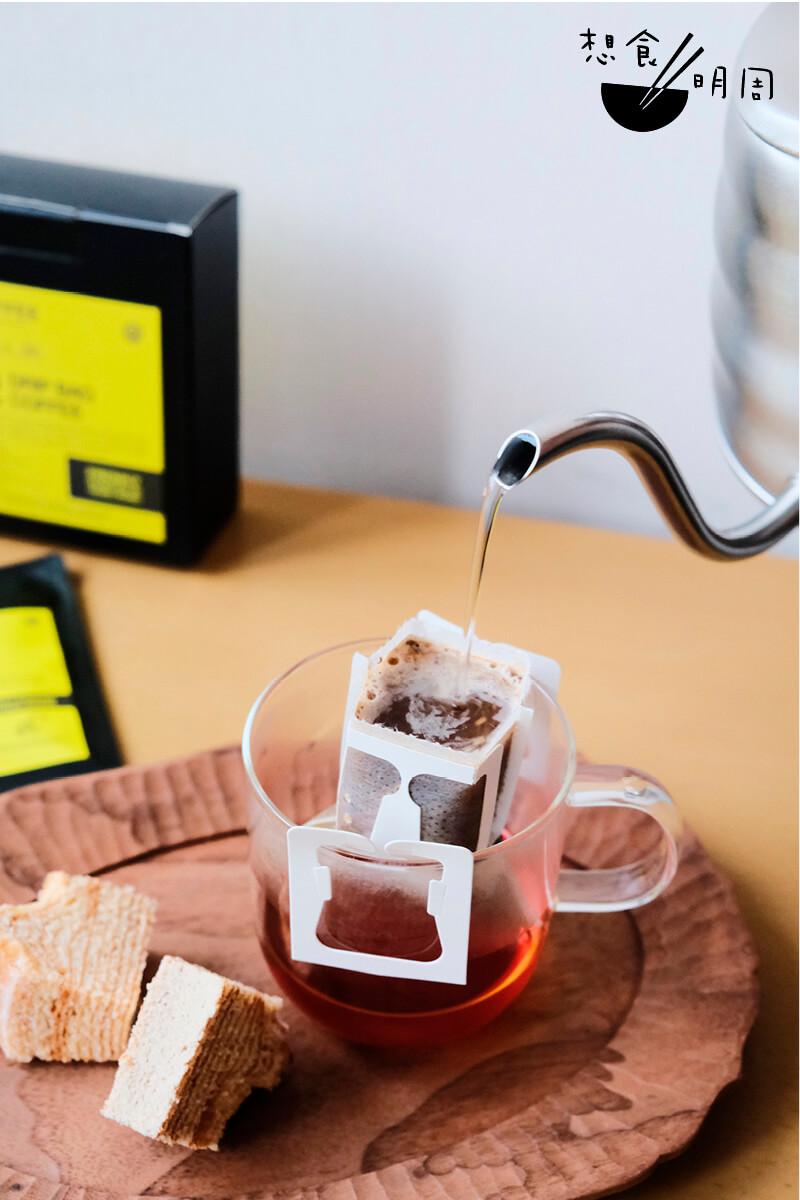 簡單幾十秒,一杯精品咖啡就已ready。