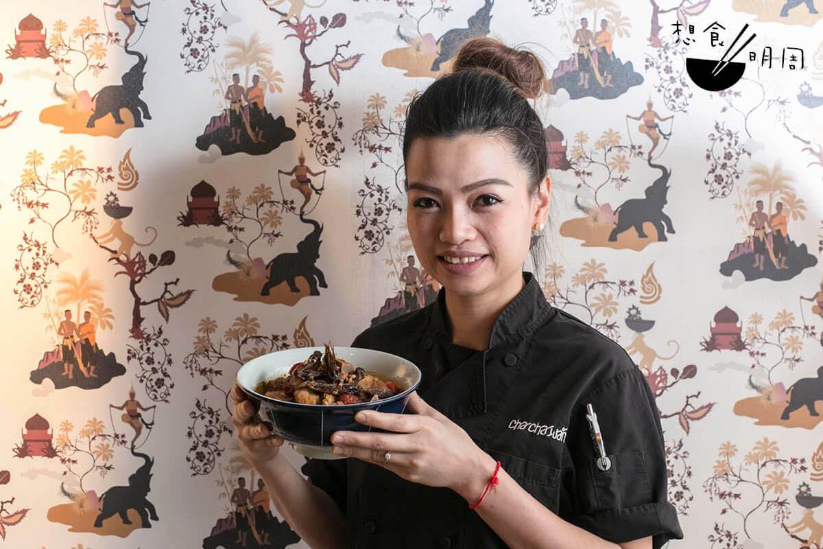 泰籍女主廚Chang Somboon說,木棉花芯蕊吃來像牛肉,口感爽韌,自小便愛吃。