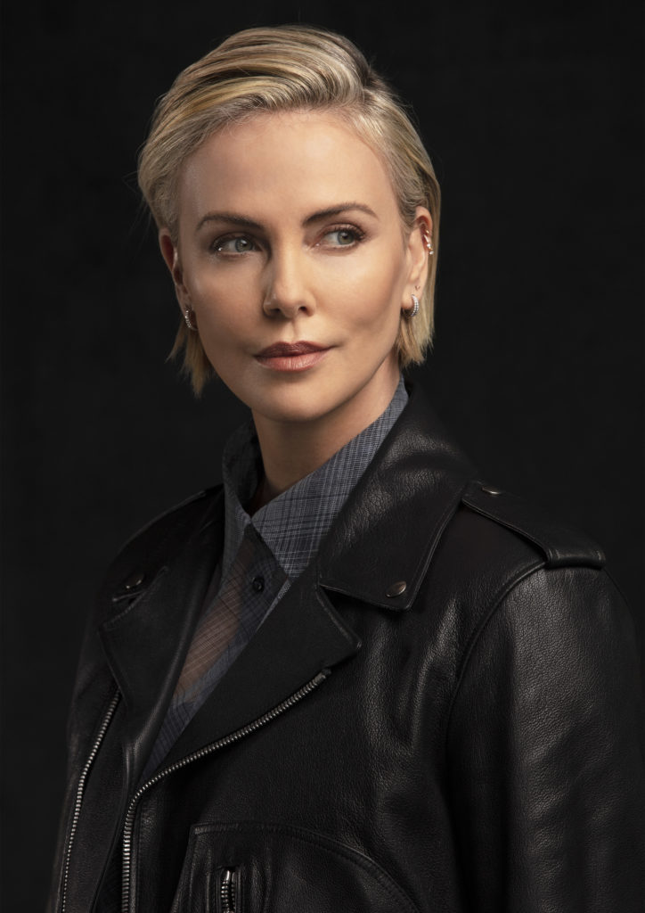 dior-chinup_charlize-theron-02
