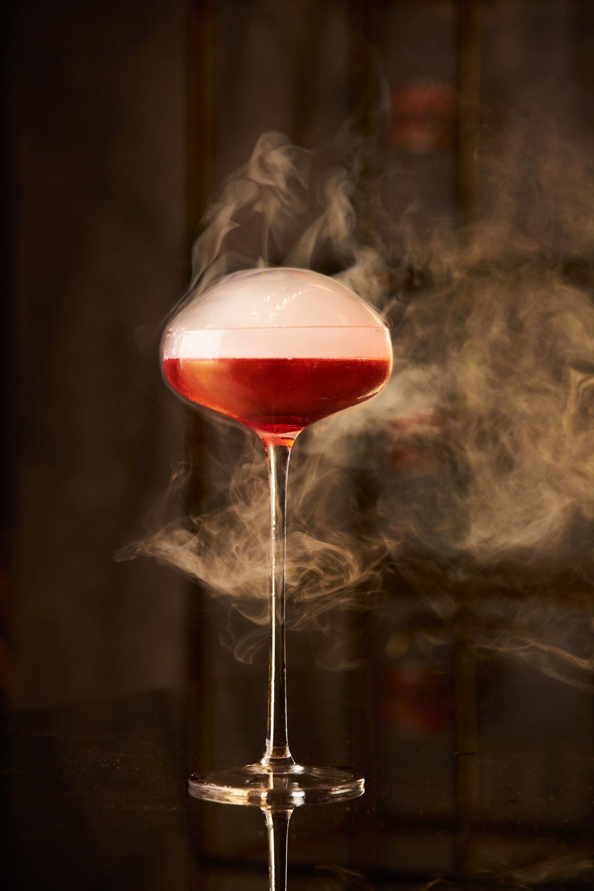 餐廳招牌雞尾酒「mr.kanso」以純米大吟釀為基酒,配以荔枝甜酒、果汁、接骨木花湯力水調製;清香帶甜的味道適合配襯帶甜的食品。($128)